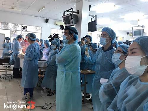 đội ngũ bác sĩ kinh nghiệm của BVTM Kangnam
